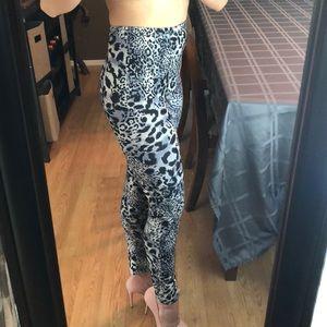 🦊 5/$20 Fashion Leopard Legging Printed Seamless